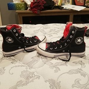 Like new boys high top plaid converse